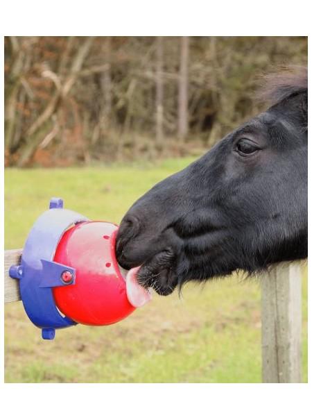 Zabawka dla koni Likit Twister.